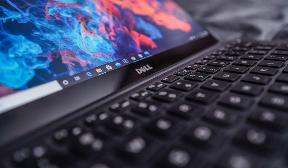 Photographie d'un ordinateur Dell.