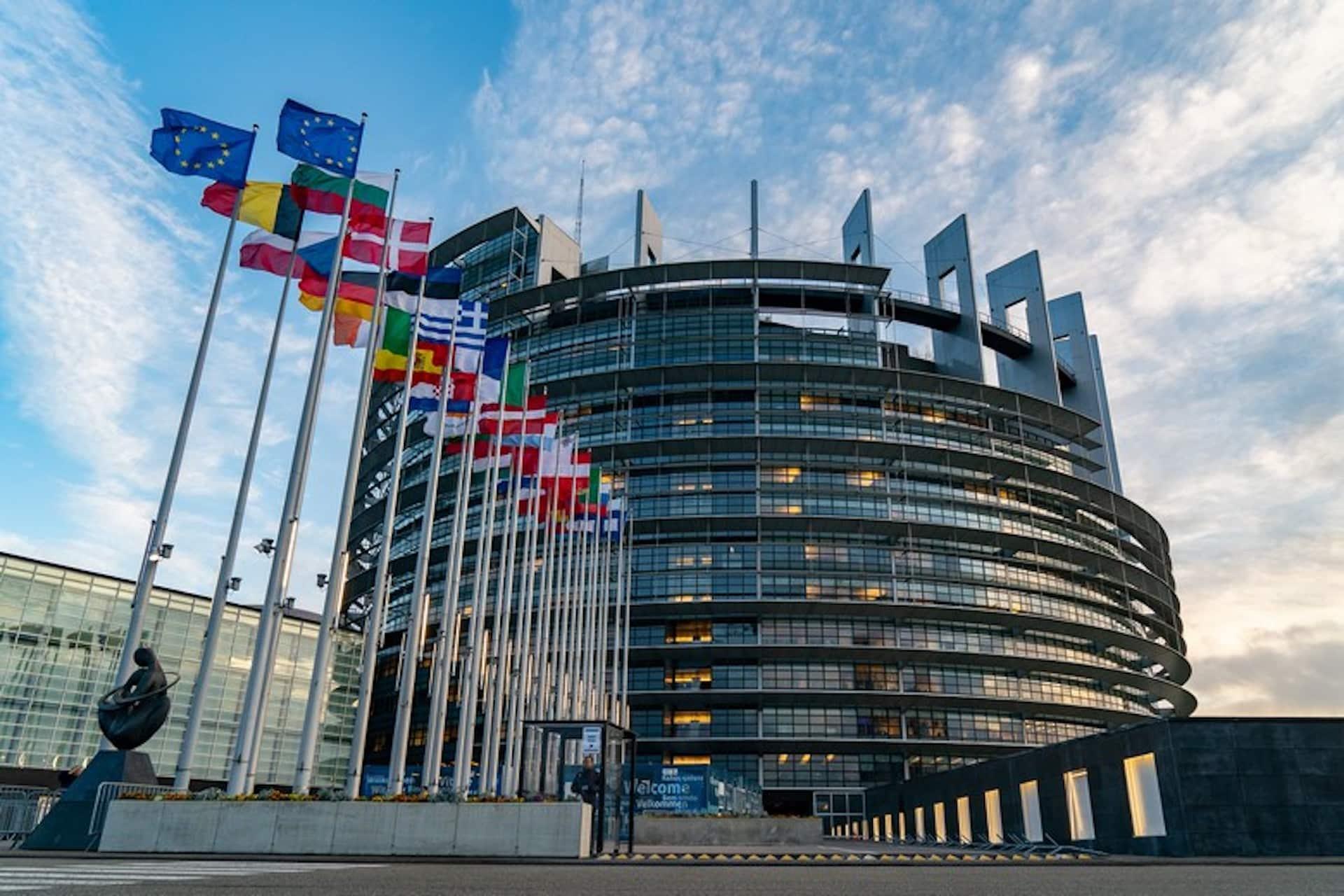 Les députés européens appellent à un renforcement des normes pour les dispositifs connectés