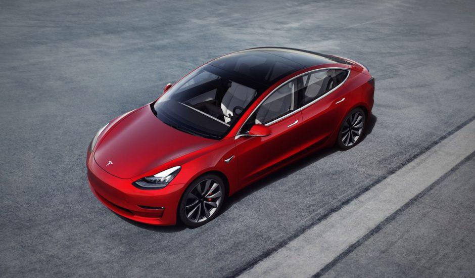Photographie de la Model 3 de Tesla. Les ventes de Tesla chutent en Chine.