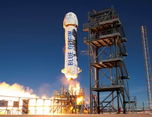 La fusée New Shepard en plein lancement.