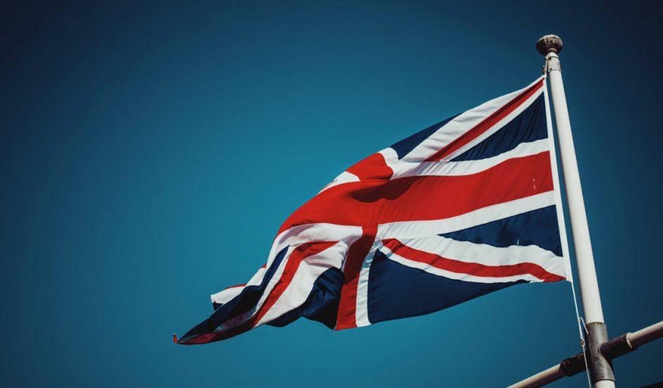 Le Royaume-Uni déploie un outil pour protéger les enfants qui ont des nudes d'eux sur internet.