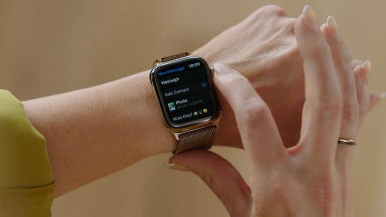 une apple watch avec de nouvelles options d'envoi iMessage