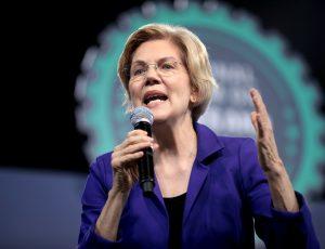 Elizabeth Warren prononce un discours