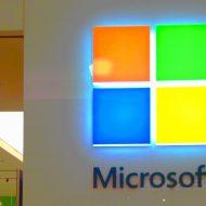 le logo de microsoft illuminé