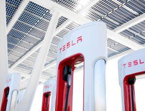 Une station de charge Tesla.