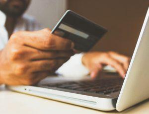 En 2025, l'usurpation d'identité lors des paiements en ligne pourrait être un fléau.