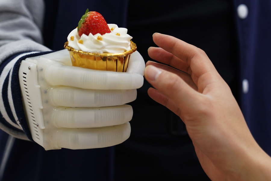 La prothèse de main développée par le MIT.