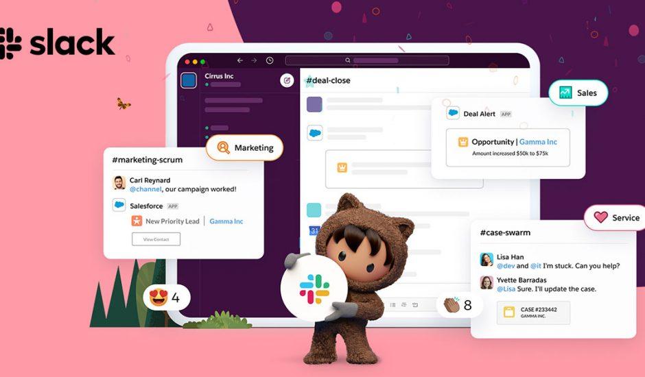 La mascotte de Salesforce tenant le logo Slack dans ses bras avec une tablette présentant une conversation Slack en arrière plan.