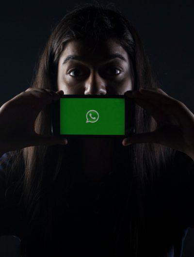 WhatsApp réagit à l'encontre des annonces d'Apple.
