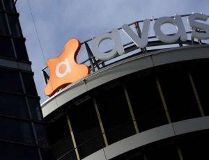 Le logo d'Avast en promontoire d'un bâtiment