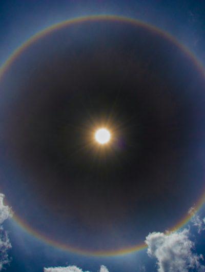 Photographie du soleil et non d'un soleil artificiel.