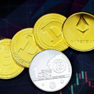 Des pièces représentant plusieurs devises de cryptomonnaies.