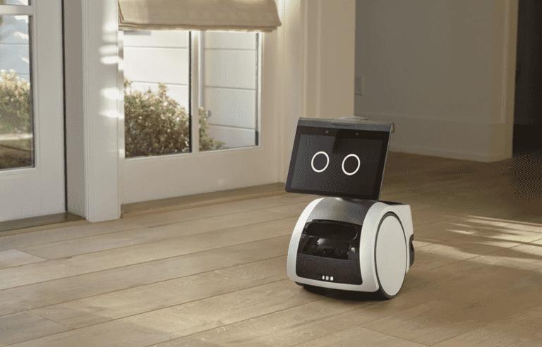 Astro le robot domestique d'Amazon sur roues