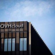 bâtiment avec le logo d'OVH à Paris