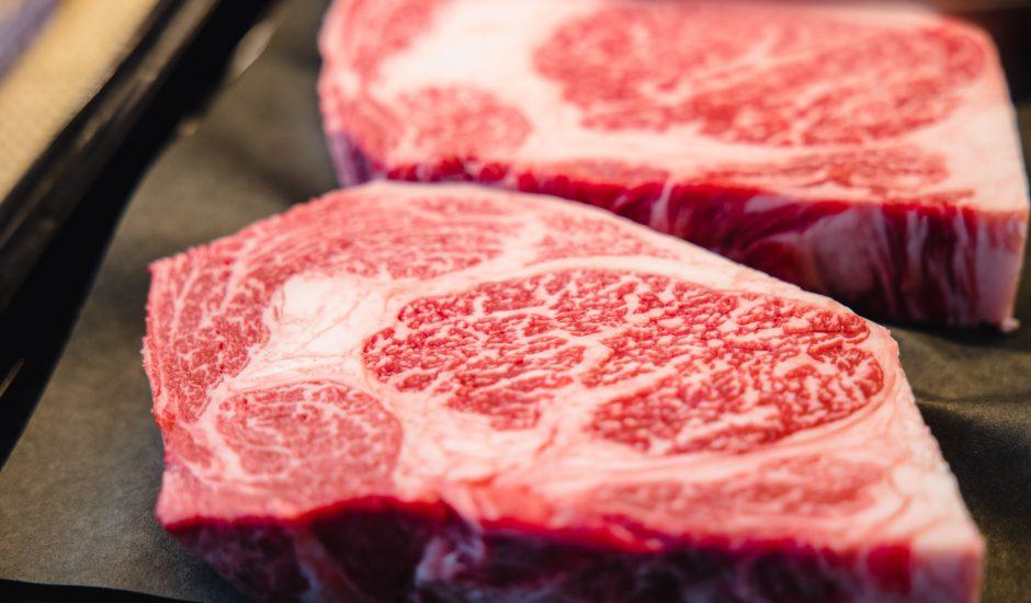 Deux morceaux de bœuf wagyu