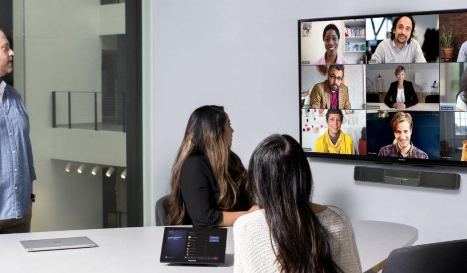 Une réunion de travail hybride chez Microsoft