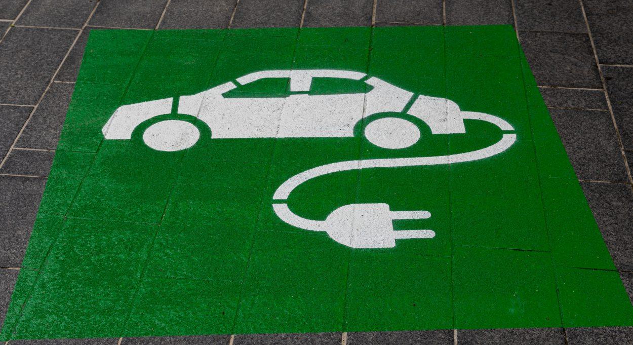 Un dessin représentant un véhicule électrique.