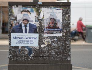 Les affiches de campagnes présidentielles d'Emmanuel Macron et Delphine Benin