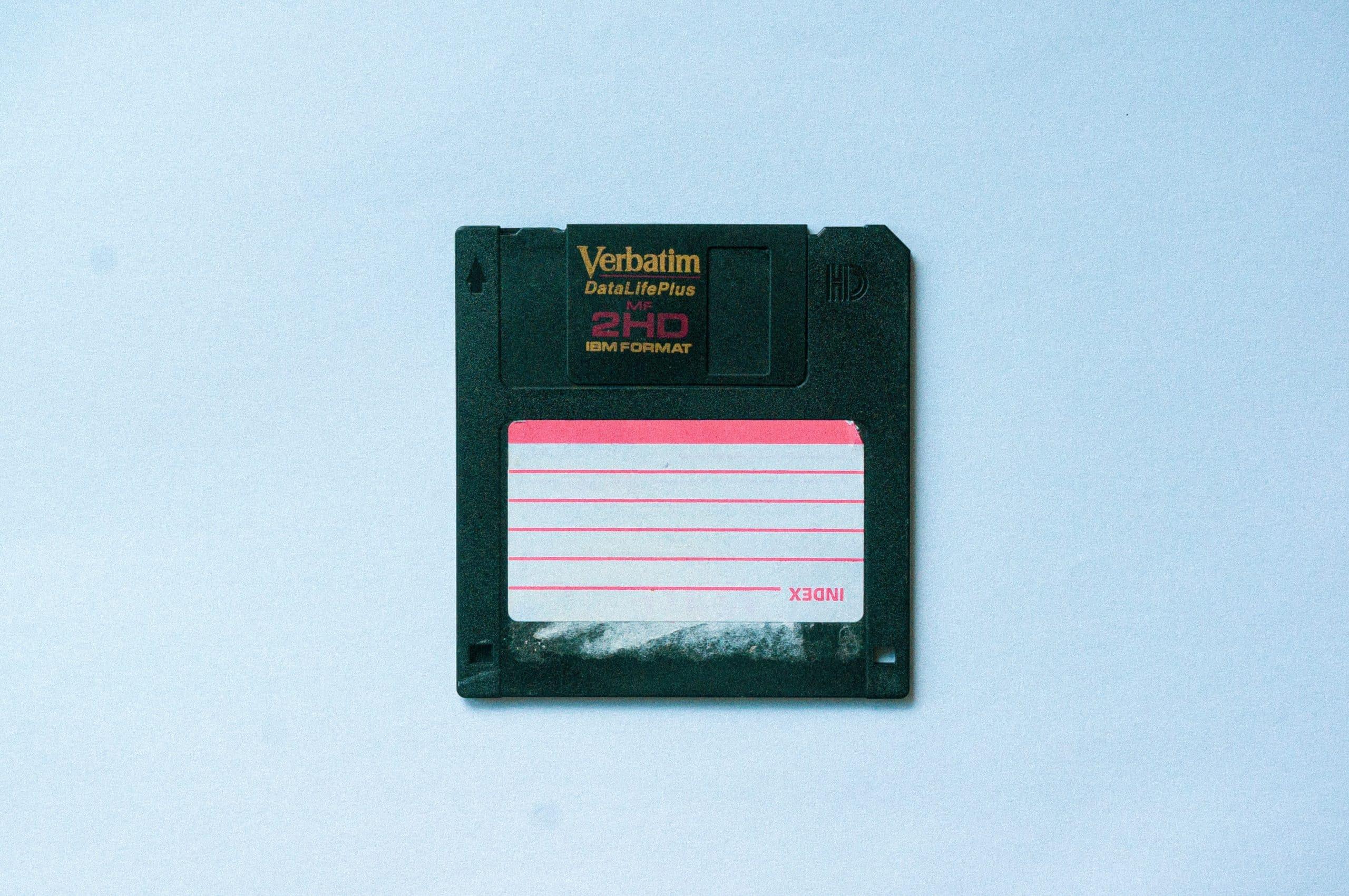 Pourquoi les fonctionnaires japonais ont-ils tant de mal à abandonner les disquettes ?