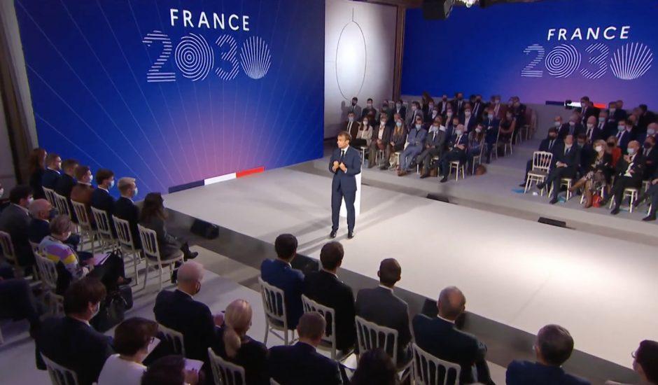 Emmanuel Macron qui présente France 2030.