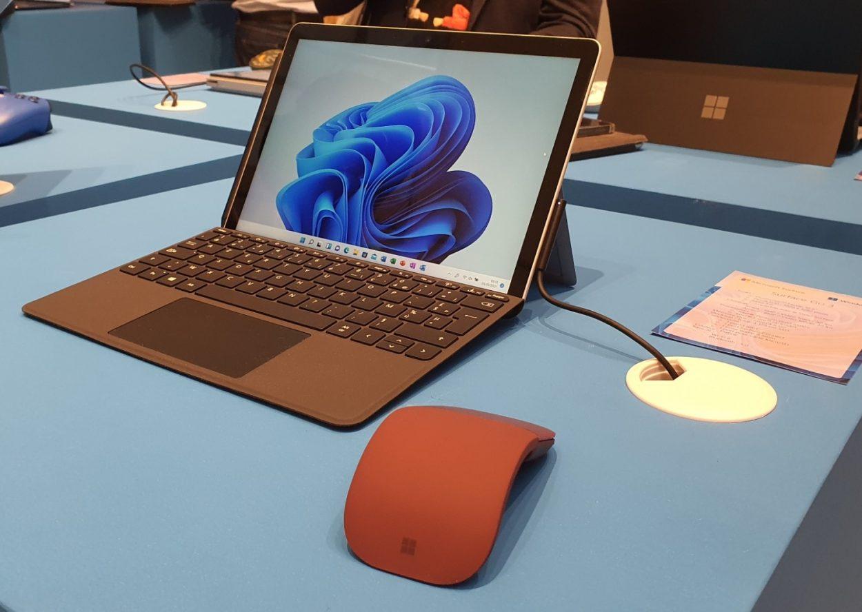 La Surface Pro 8 lors de la présentation de la gamme Surface 2021