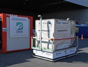 Un transporteur de bagages autonome de la société Orok