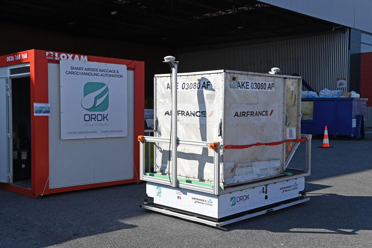 ADP et Air France KLM testent les transporteurs de bagages électriques et autonomes